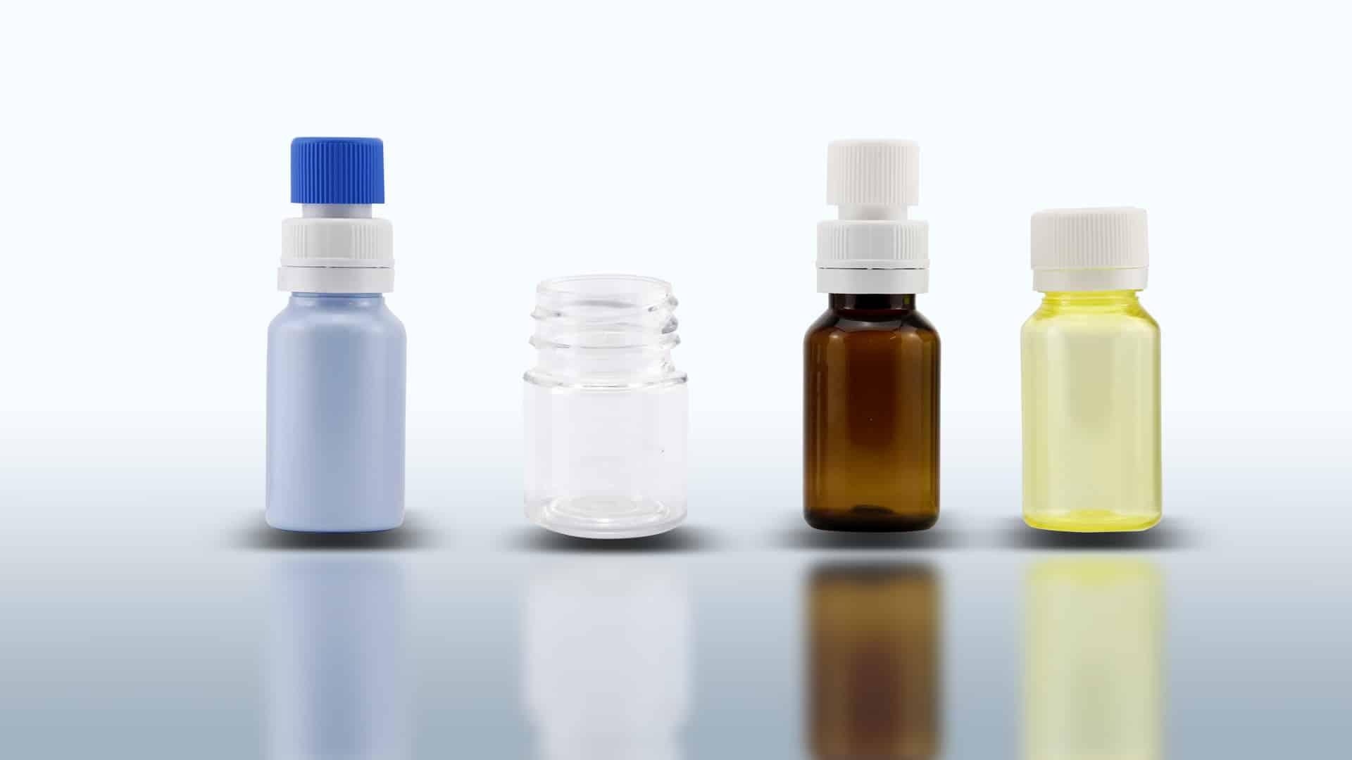 Flaconi in PET. Capacità standard da ml 10 a ml 25. Capsula con sigillo e/o capsula separatore di sostanze.